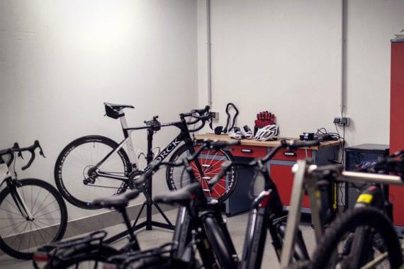 Rennrad-Keller & Werkstatt im Apparthotel in Eben im Pongau